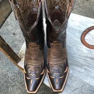 Ariat boots size 6B